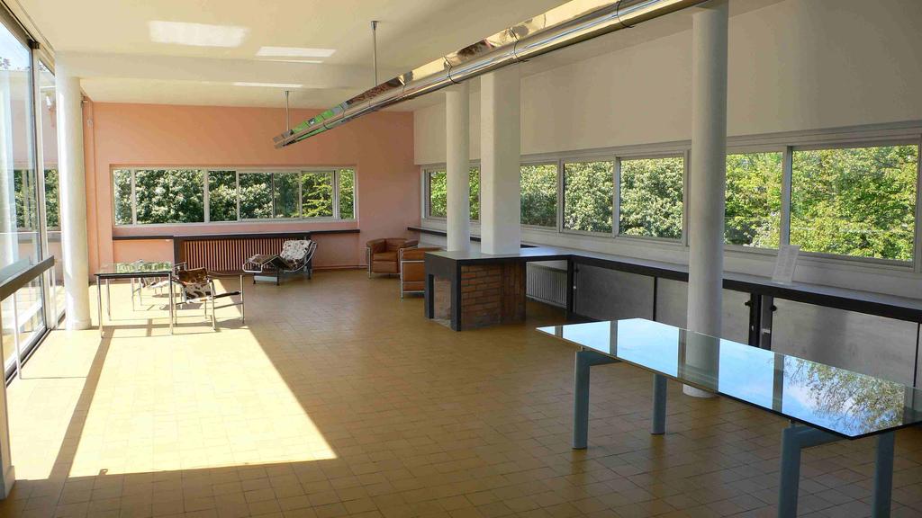 I 5 punti dell 39 architettura moderna di le corbusier for Pilastri anteriori per la casa
