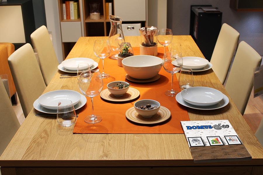 Le dimensioni della zona pranzo e del tavolo - Dimensioni tavolo tondo 4 persone ...